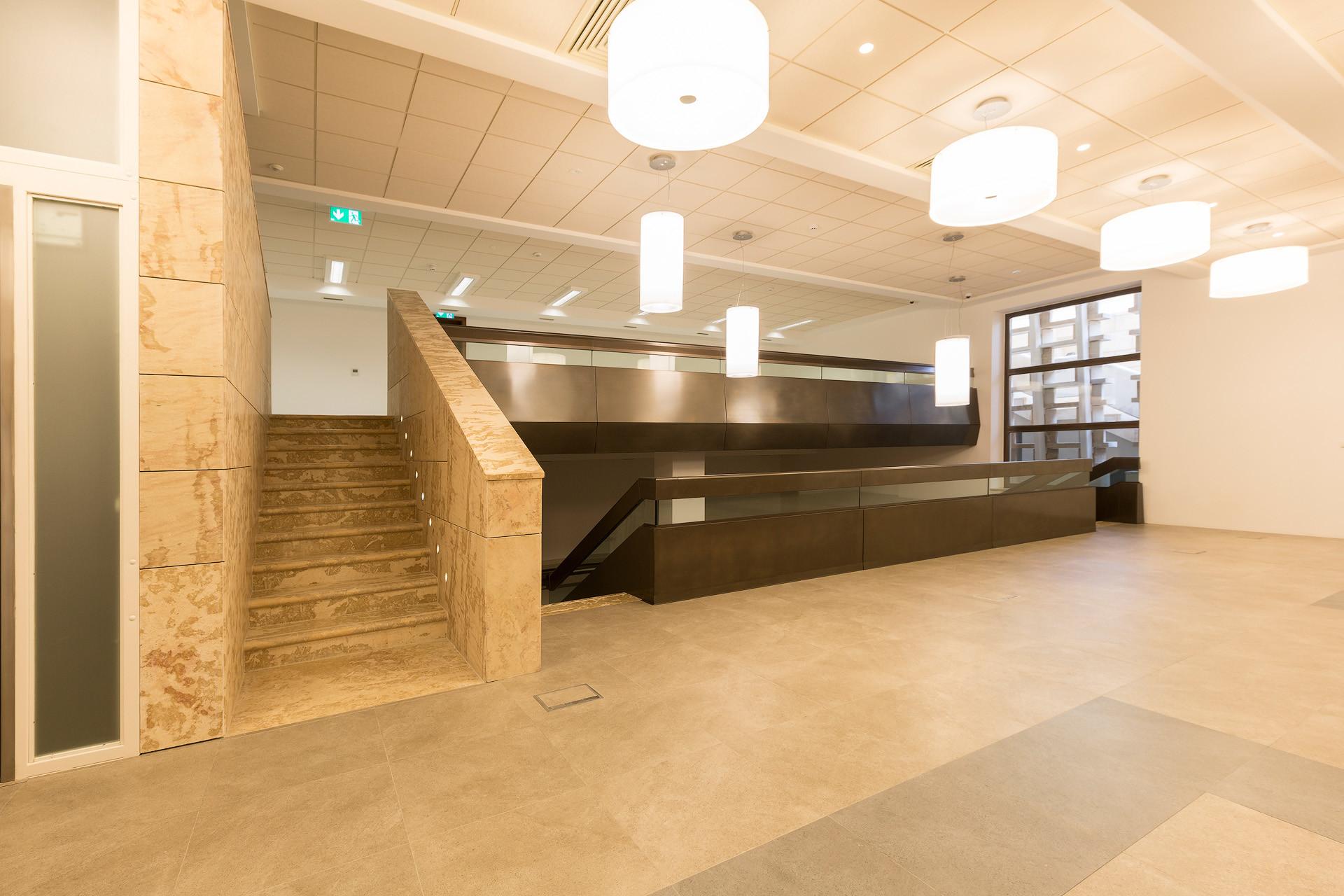 04-halmannvella-naturalstone-centralbank