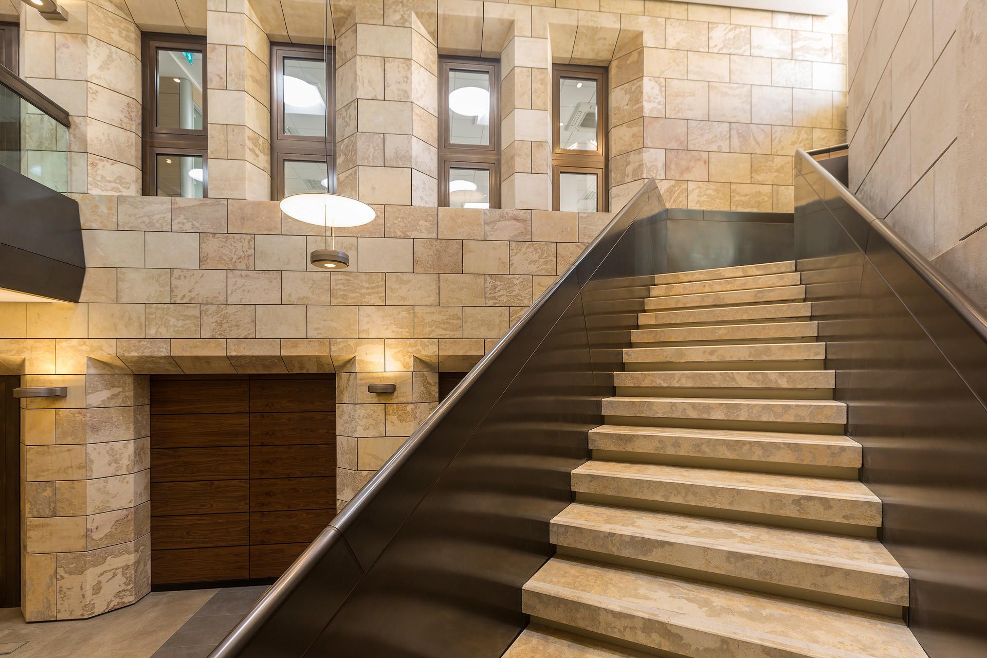 11-halmannvella-naturalstone-centralbank